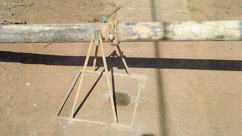 concrete-scrapers-stands1